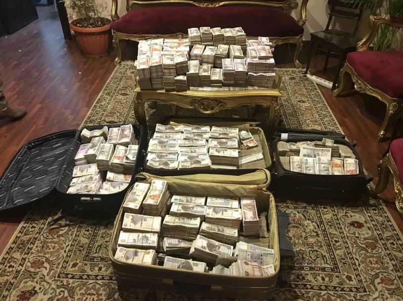 على عصابة سرقت 18 مليون جنيه 1