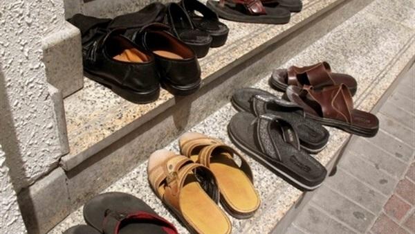 سرقة حذاء عضو مجلس نواب خلال صلاة الجمعة