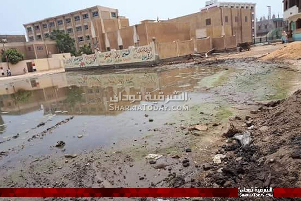قرية حماد بكفر صقر تغرق في الصرف الصحي