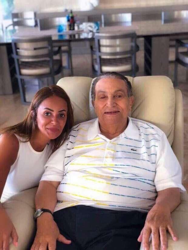 كرسي مبارك الذي ظهر به في آخر صورة