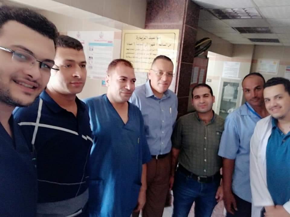 الشرقية الجديد يفاجئ العاملين بمستشفى المبرة في جولة بمفرده 1