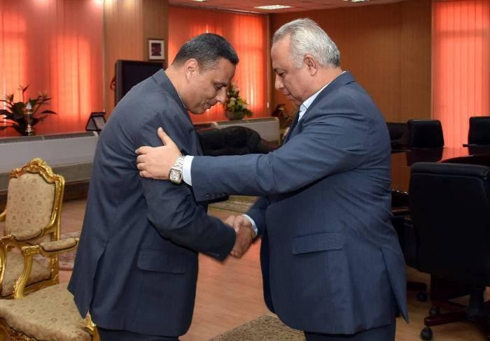 محافظ الشرقية يستقبل مدير الأمن الجديد بمكتبه بالديوان العام