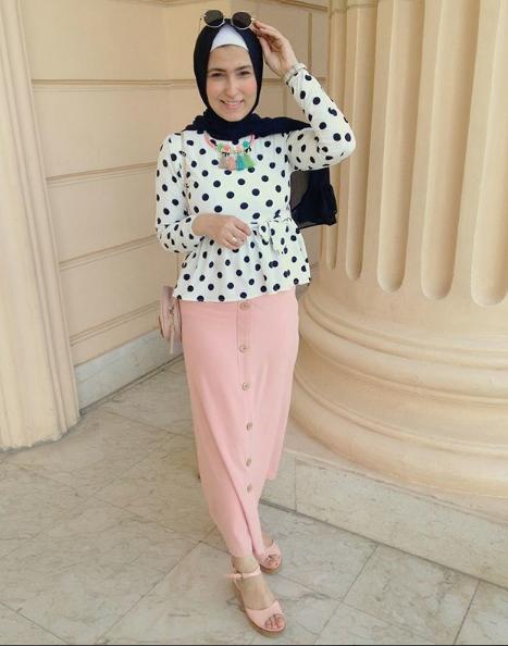 موديلات ملابس جامعات من وفاء عز الدين