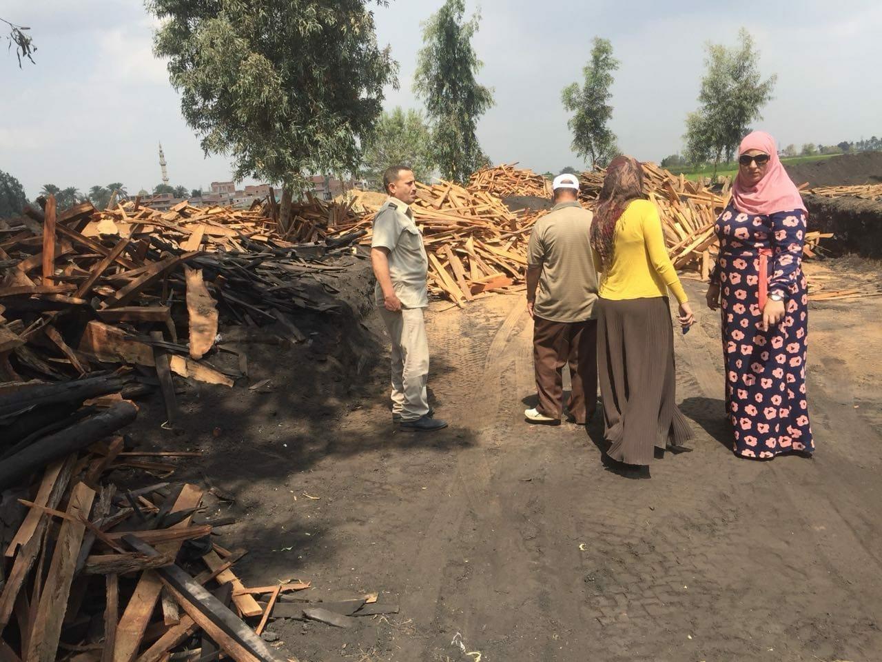 شئون البيئة بالشرقية يتصدى لظاهرة الحرق المكشوف للمخلفات الزراعية2
