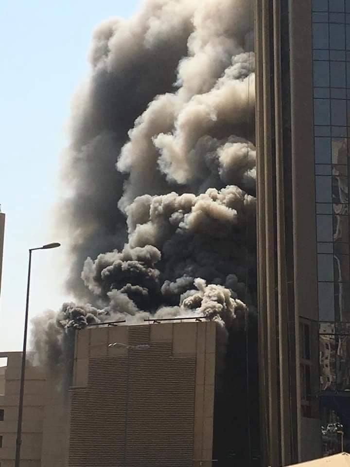 حريق ضخم في بنك بالكويت