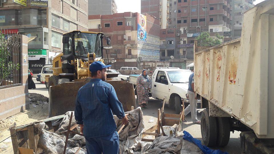 حملة إزالات مكبرة للباعة الجائلين بشوارع ديرب نجم