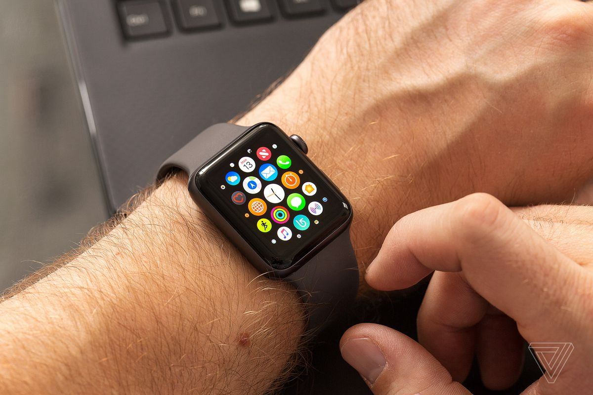 ساعة Apple Watch Series 4