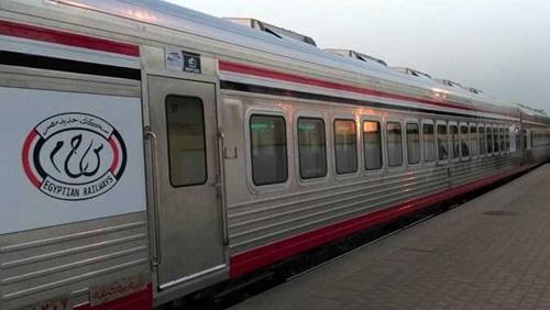 سيدة تلد في قطار بمحطة الزقازيق