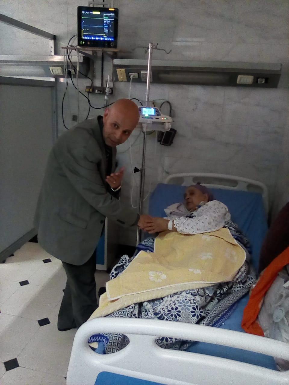 محافظ الشرقية يتفقد مستشفى منيا القمح المركزي