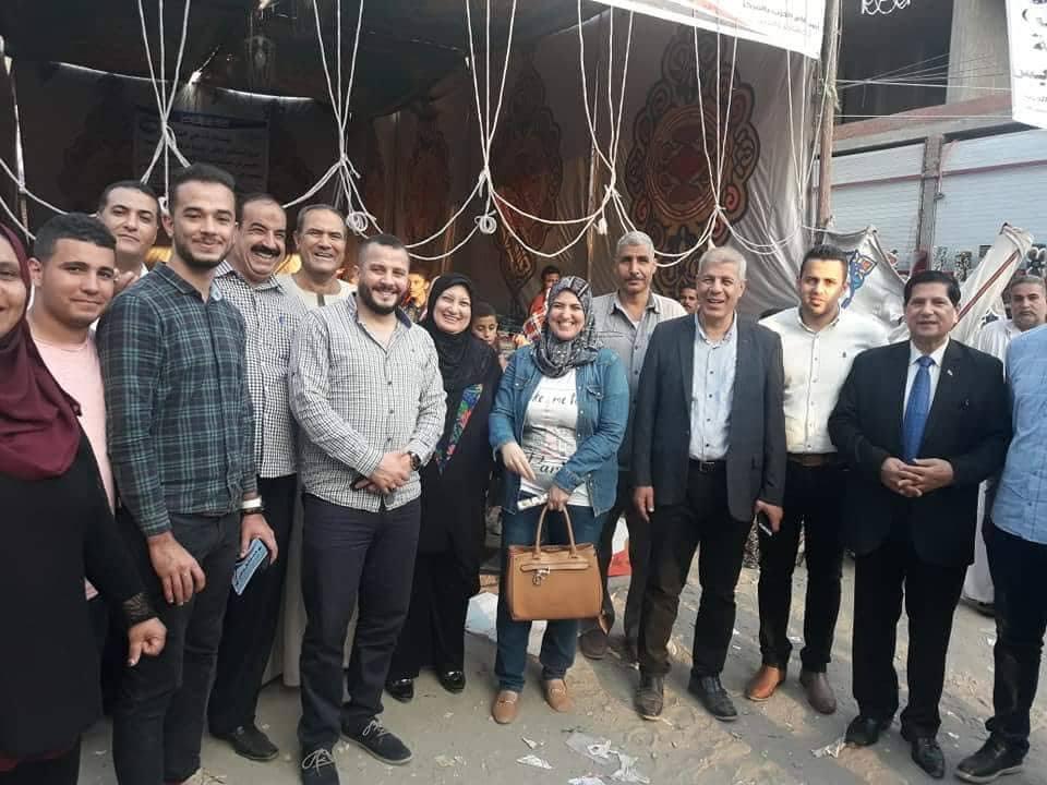 مستقبل وطن يقيم معرض مستلزمات المدارس بديرب نجم