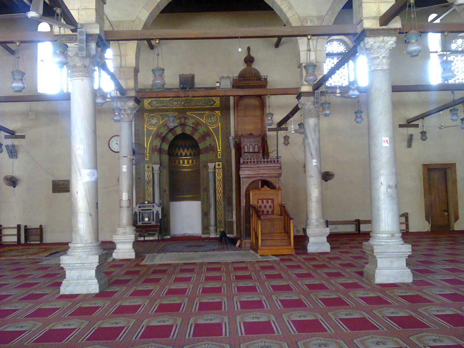مسجد عمرو بن العاص من الداخل