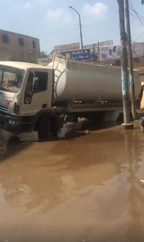 مياه الصرف الصحي تغرق شارع فاروق بالزقازيق (1)