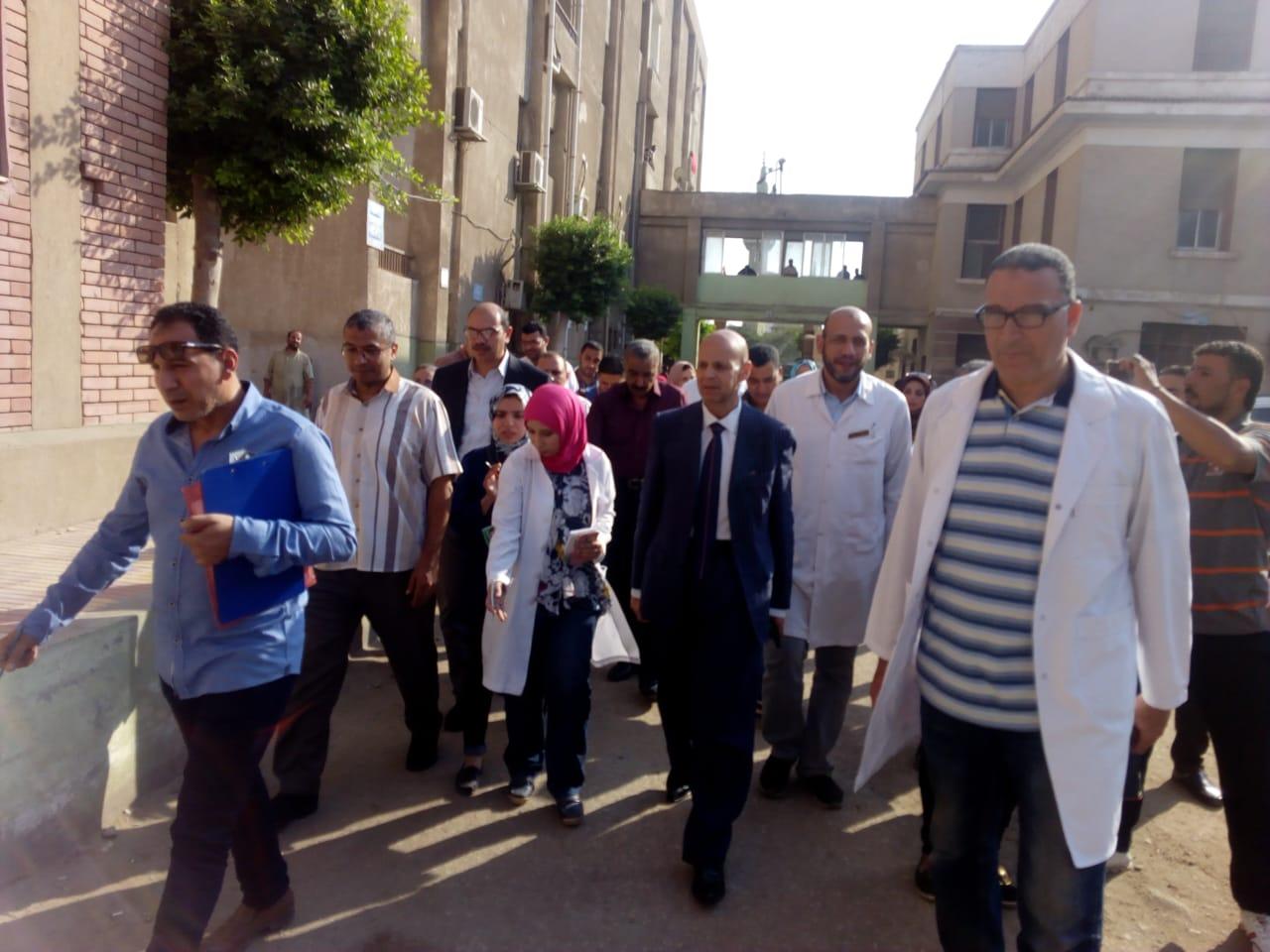 وكيل وزارة الصحة بالشرقية يزور مستشفى فاقوس   الشرقية توداي