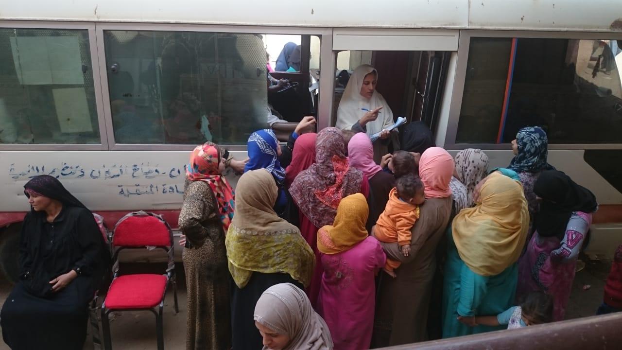 انتهاء قافلة تنظيم الأسرة بقرية السعدية بمنيا القمح