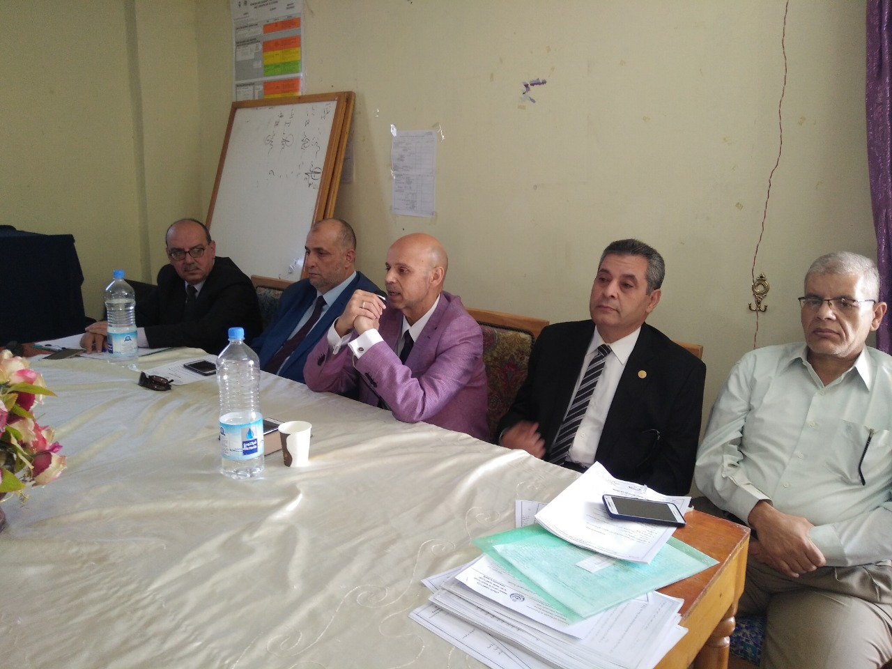 طارئ لمديري الإدارات الصحية ومدير المستشفيات بالمحافظة