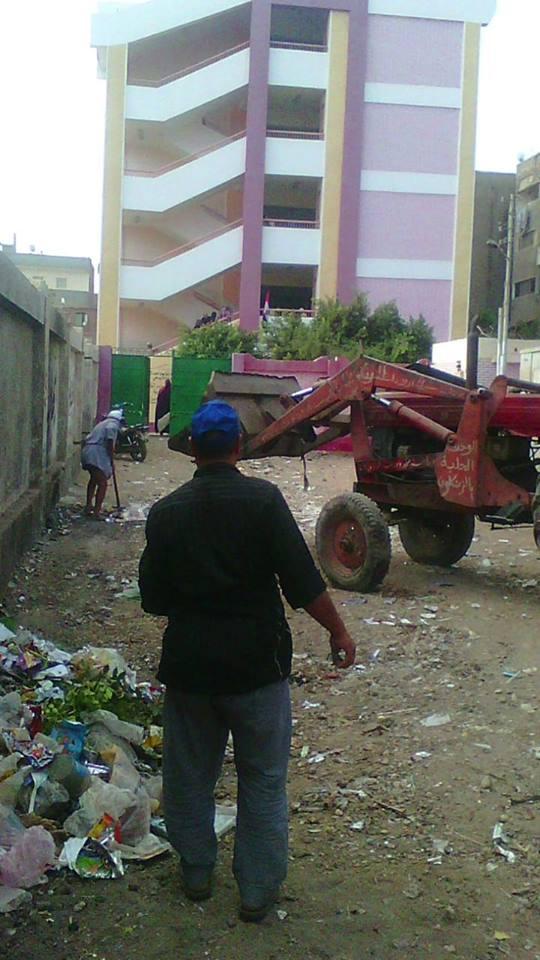 أعمال رفع القمامة من شوارع الزقازيق