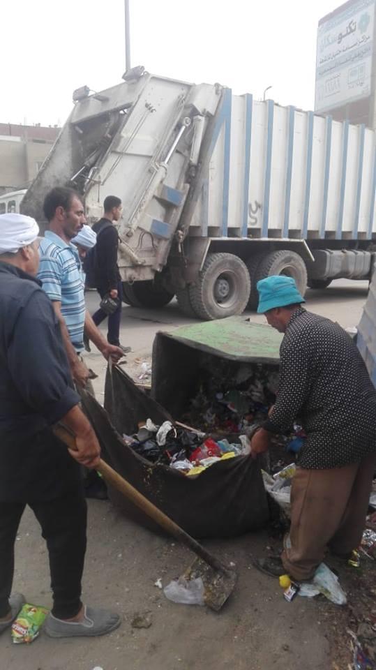 أعمال رفع القمامة من شوارع الزقازيق6