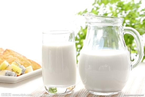 الحليب ودوره ف علاج انتفاخ العين
