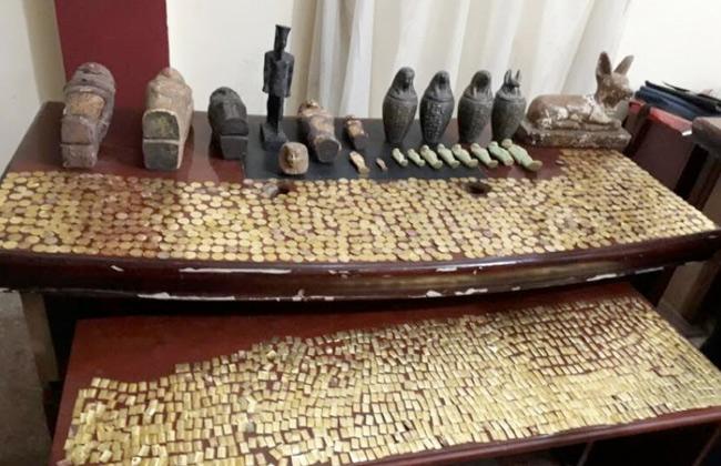 العثور على كنوز أثرية داخل منزل عاطلين في بني سويف