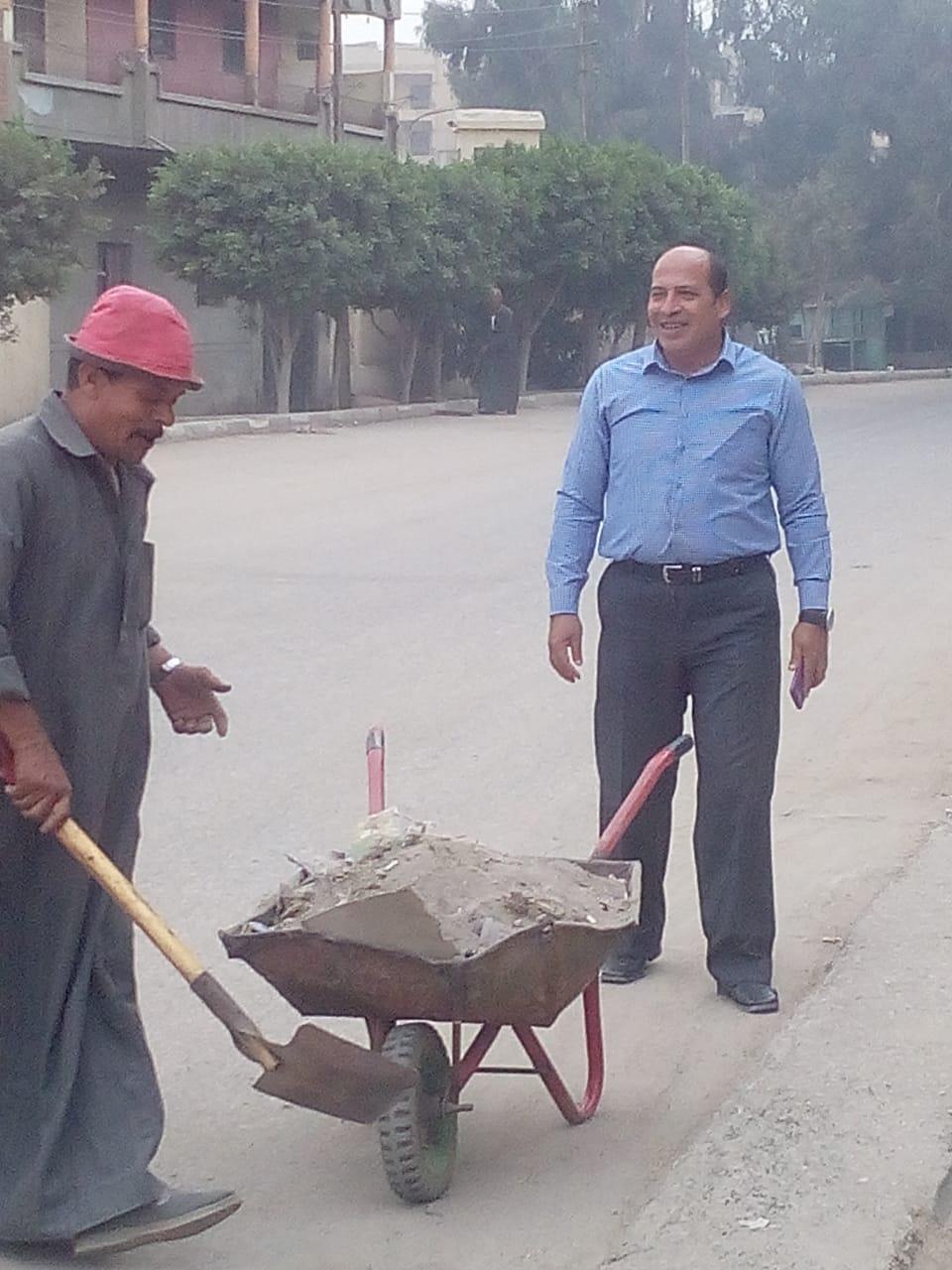 مركز ومدينة الزقازيق تواصل رفع القمامة وتجميل الشوارع5