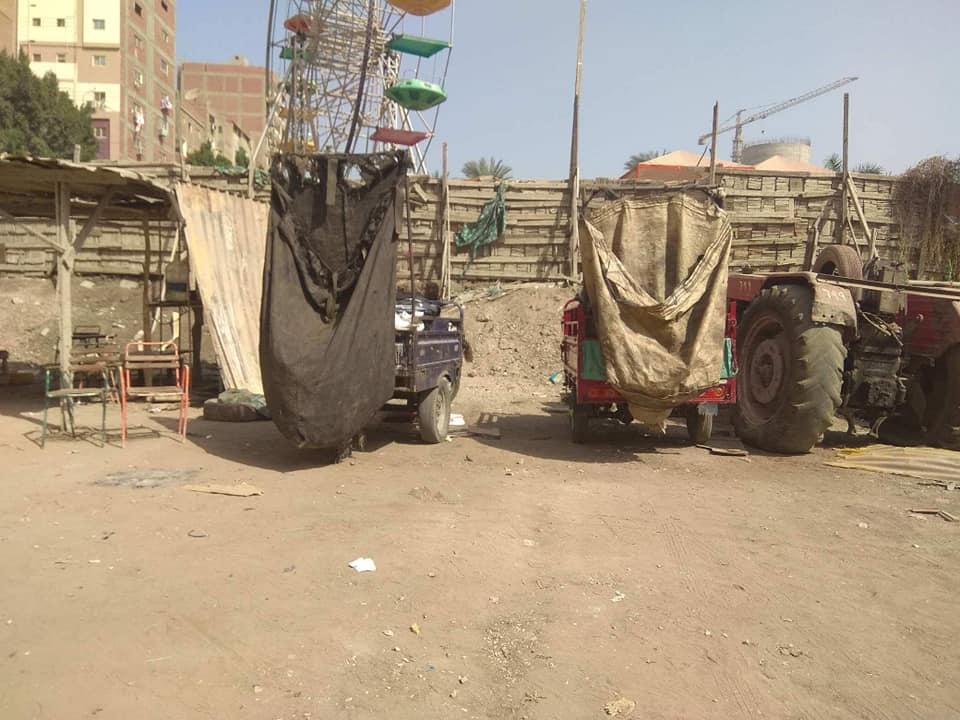 حي ثان الزقازيق يضبط أحد النباشين في الشوارع4