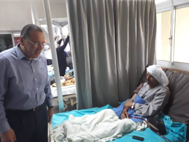 زيارة محافظ الشرقية لمستشفي العاشر من رمضان