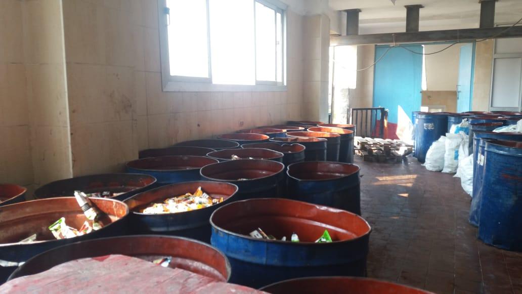 ضبط ٣٧٧٠٠ عبوة عصير فاسدة بالعاشر من رمضان