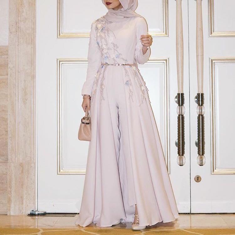 فستان أبيض موضة 2019