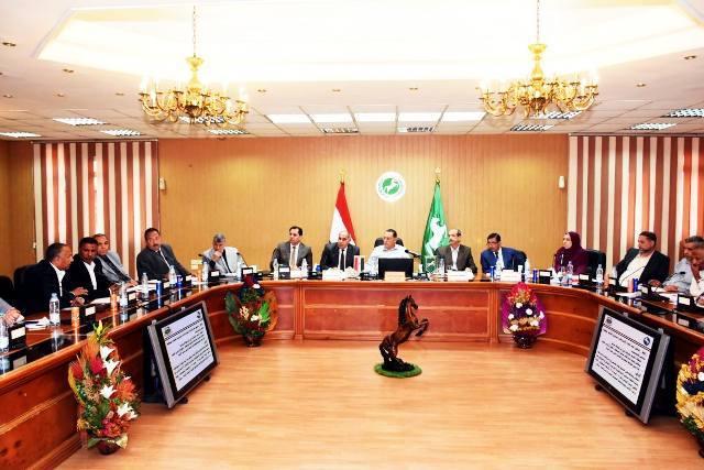 الشرقية يترأس اجتماع مجلس إدارة المناطق الصناعية2