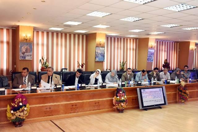 الشرقية يترأس اجتماع مجلس إدارة المناطق الصناعية6
