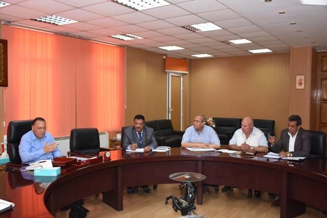 الشرقية يعقد اجتماعًا مع رؤساء المدن الجدد بعد إجراء حركة تنقلات محدودة