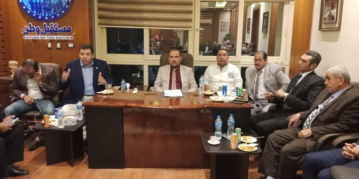 وطن يستقبل وفدًا رفيع المستوي من نقابة المحامين بالشرقية للتعرف علي أهداف الحزب3