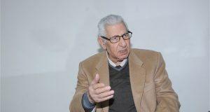 مكرم محمد أحمد يعلق على وقف بث قناة بيراميدز
