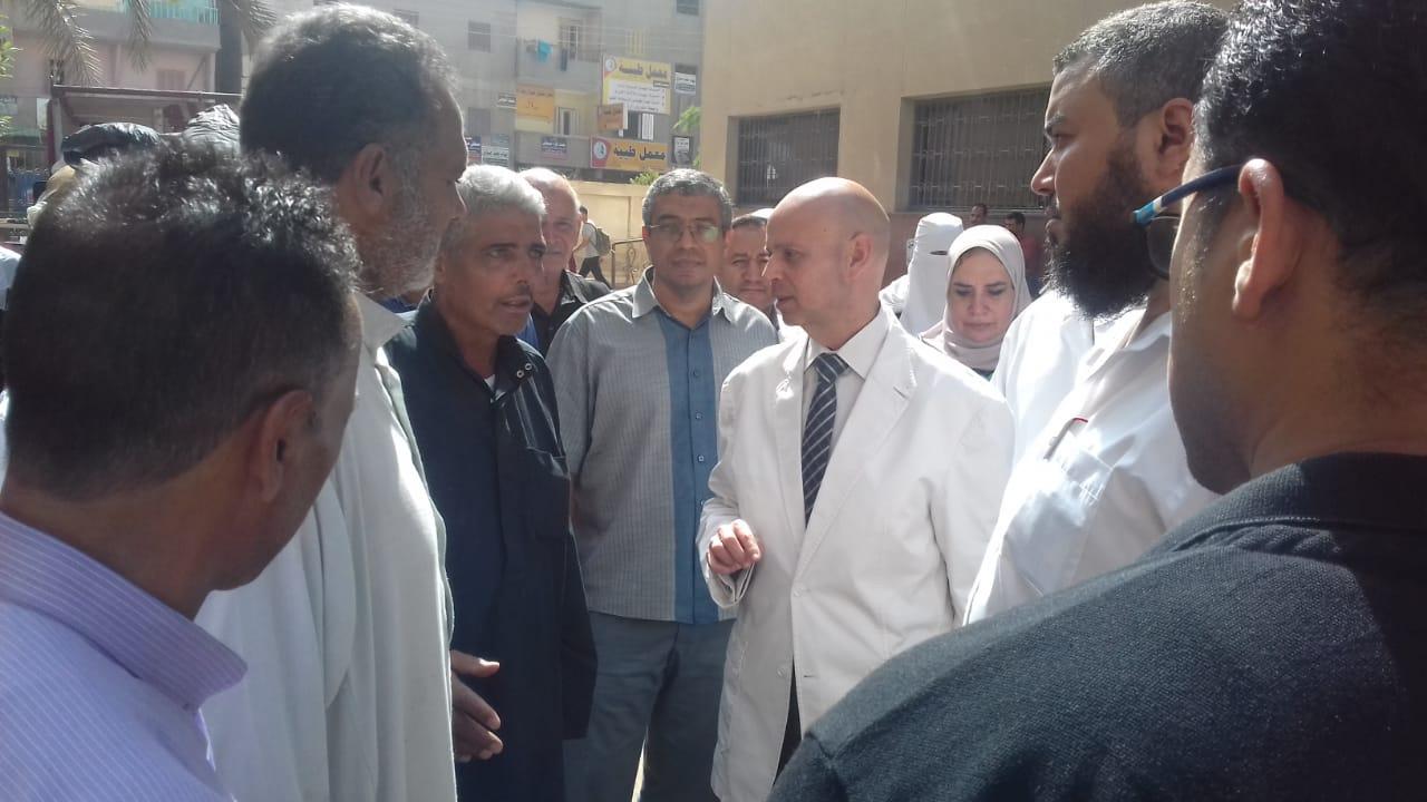 وكيل صحة بالشرقية يزور مستشفي ديرب نجم ومستشفي القنايات
