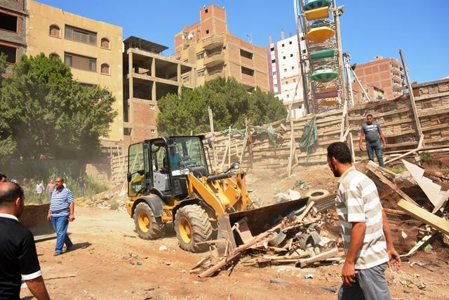 محافظ الشرقية يسترد المصرية بلازا ويحولها إلى منفعة عامة