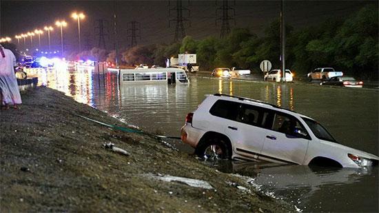 الأرصاد تكشف حقيقة خطورة سيول الكويت على مصر