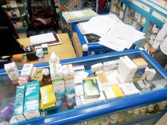 ضبط ٥٤٠٠ قرص دوائي منتهي الصلاحية بصيدليات الشرقية