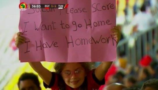 طفلة توجه رسالة لمحمد صلاح