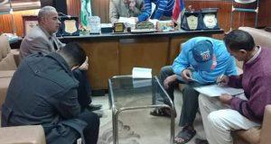 رئيس مدينة الحسينية يتكفل بدفع غرامة بائع متجول بعد أن عاقبه المحافظ