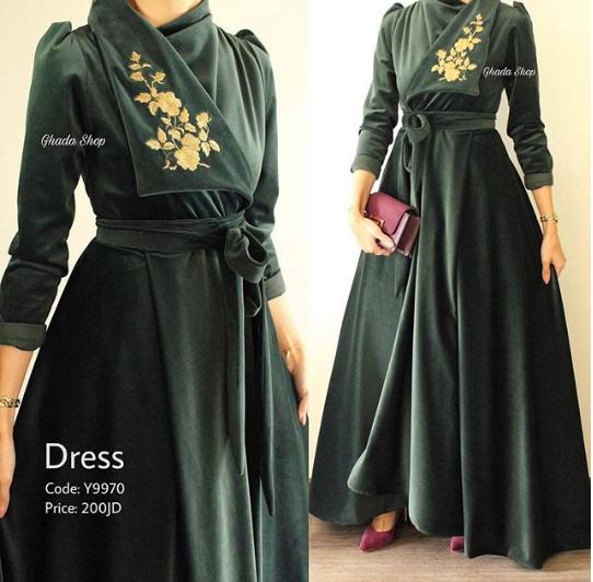 فستان مخملي