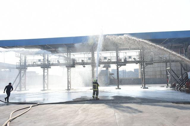 الشرقية ومدير الأمن يشهدان نموذج محاكاة لمواجهة أعمال حريق واقتحام مستودع بترول بالزقازيق 3