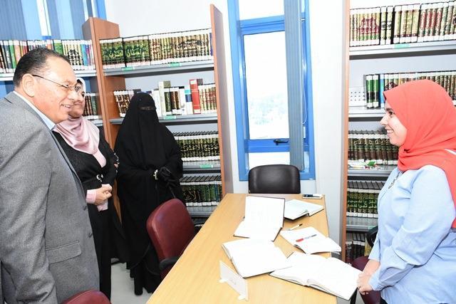 الشرقية يتفقد مكتبة مصر العامة بمدينة الزقازيق 5