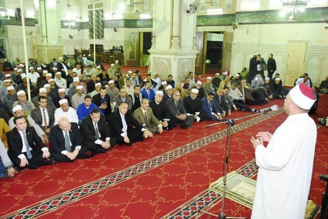 محافظ الشرقيةيشهد احتفالية الأوقاف بالمولد النبوي بمسجد الفتح بالزقازيق