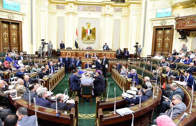 البرلمان يوافق مبدئيا على قانون المحال التجارية