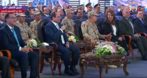 السيسي يسخر من غسالات إسكان حي السلام