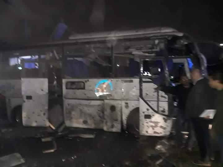 الصور الأولى لموقع انفجار أتوبيس سياحي في المريوطية