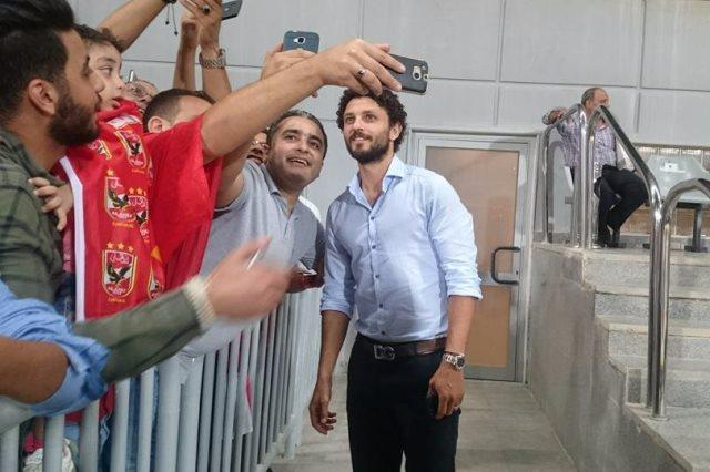حسام غالي يحضر مباراة الجونة ووادي دجلة