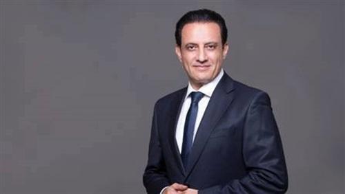 طارق علام يشارك في حل أكبر قضية ثأر في الصعيد