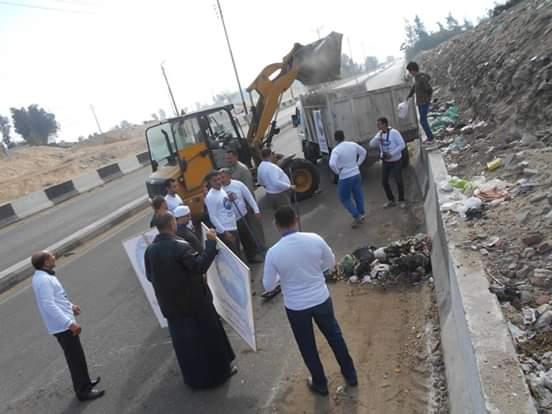 مستقبل وطن أمانة القرين تقوم بحملة نظافة لمدخل المدينة