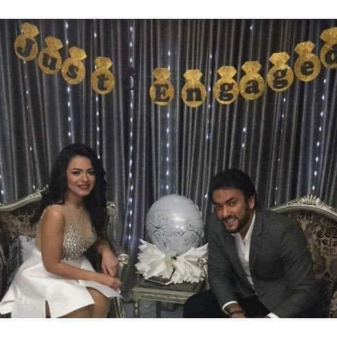أحمد العوضي يكشف حقيقة صورة من حفل خطبته
